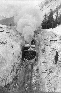 Rotary snow plough. 1910 (Credit: Canada. Patent and Copyright Office / Library and Archives Canada / PA-029705)