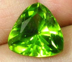 5.40 ct Natural Best Collector ARIZONA Peridot Gemstone TRILLION Cut Gem 11 mm