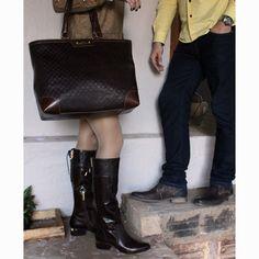 Muito amor envolvido na bota e bolsa Luz da Lua para ela, e sapato Ferracini 24h para ele <3 Vem ver! #ferracini #luzdalua #diadosnamorados #táchegando