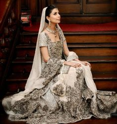 Real Bride ~ Maheen wearing Sana Safinaz Bridal Couture on her Walima
