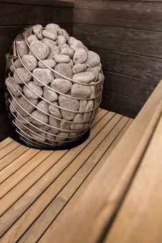 Beautiful Estonian sauna design with the HUUM DROP heater. Basement Sauna, Sauna Room, Basement Remodeling, Nordic Design, Modern Design, Mini Sauna, Modern Saunas, Electric Sauna Heater, Building A Sauna