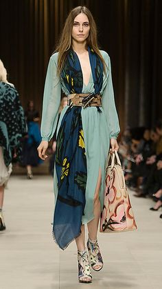 Burberry Prorsum A/W 2014 - Pale teal blue silk tea dress with a floral cashmere scarf and hand-painted ankle boots Fashion Week, Look Fashion, High Fashion, Fashion Show, Autumn Fashion, Fashion Outfits, Womens Fashion, Burberry Dress, Burberry 2014