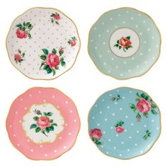 I used this set to make mini plates for the glamper - they go so well together. Royal Albert