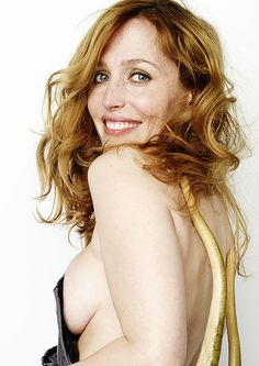 X-Files & Gillian Anderson fanatic. Aliens, casefiles, government corruption? Nah. Gorgeous Gilly &...