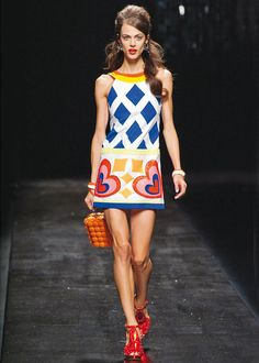Milan Fashion Week: Moschino spring/summer 2013 in pictures - Fashion Galleries - Telegraph Fashion Mode, Mod Fashion, Runway Fashion, Trendy Fashion, Fashion News, Style Fashion, Style Année 60, Looks Style, Spring Fashion Trends