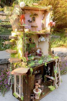 Fairy Tree Houses, Fairy Village, Fairy Garden Houses, Fairy Gardens, Fairy House Crafts, Fairy Land, Fairy Dolls, Garden Crafts, Faeries