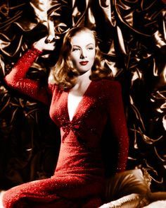 hollyhocksandtulips:    Veronica Lake