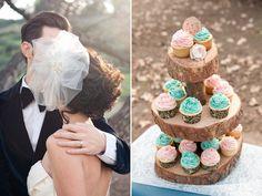Wood slices cupcake stand. Genius.