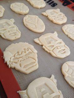Superhero party ideas: Fun cookies using easy molds