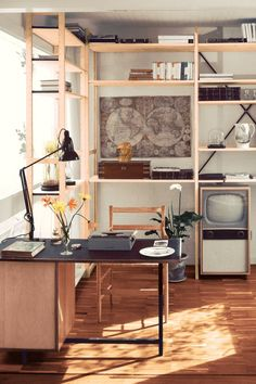 So interesting how the style came back. 1950s hipsters: Pictures of mid-century style in Fifties House (houseandgarden.co.uk)