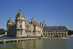 Chantilly castle, Oise department, France, as seen from north-west.    Author Jebulon