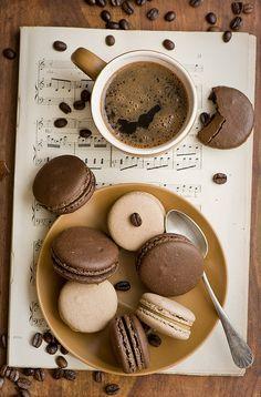 Tumblr coffee macarrons