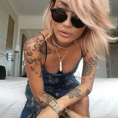 ideas for tattoo shoulder back women tatoo Tattoo Girls, Girl Tattoos, Tatoos, Star Tattoos, New Tattoos, Hand Tattoos, Sleeve Tattoos, Trendy Tattoos, Tattoos For Women