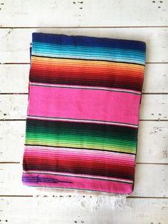 Manta álamo rosa... Mexican blankets for your deco! Get it in our shop online! Www.livingintshop.com