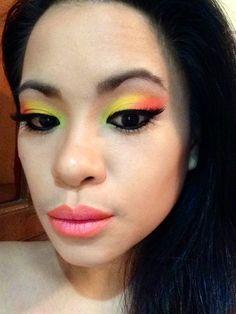 Bright summer eyes, orange-salmon ombre lips