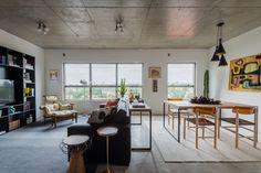 Apartamento de 70 m² reúne estilos diferentes em um só décor (Foto: Paulo Brenta/Divulgação)