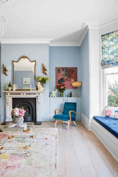 Colourful Living Room Ideas and Inspiration Colourful Living Room Ideas and Inspiration Zoe Groves grovesz dining room hallway ideas Victorian decor ideas Victorian living room nbsp hellip Living Room victorian Pastel Living Room, Pastel Room, Colourful Living Room, Living Room Colors, New Living Room, Living Room Decor, Dining Room, Pastel Blue, Pastel Walls