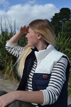 La mode pour la femme, découvrez la marque française 727 sailbags! Doudoune sans manche et l'intemporel marinière! www.727sailbags.com
