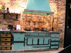 Chateau Cooker in bright blue.