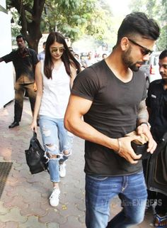 Anushka Sharma spends time with Virat Kohli and his family in New Delhi Picture Gallery image # 320549 at Stars Spotted 2015 containing well categorized pictures,photos,pics and images. Anushka Sharma Virat Kohli, Virat And Anushka, Bollywood Stars, Bollywood Fashion, Bollywood Actress, Funny School Jokes, Indian Celebrities, Sport Man, Latest Pics