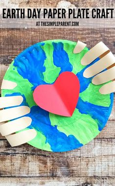 Earth Make an Earth Day craft preschoolers will love! - Make an Earth Day craft preschoolers will love! Get some paper plates, paint, and construction paper to help your kids learn about caring for our planet! Earth Craft, Earth Day Crafts, World Crafts, Earth Day Projects, Projects For Kids, Art Projects, Project Ideas, Craft Ideas, Earth Day Activities