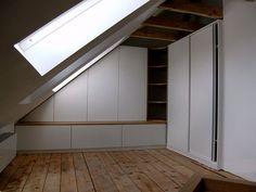 B cherregale und arbeitsplatz in einem einbauschrank im schlafzimmer desks pinterest dressing - Einbauschranke schlafzimmer ...