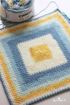 Moss Stitch in a Square Crochet Blanket - Repeat Crafter Me Crochet Square Blanket, Crochet Quilt, Crochet Cross, Crochet Blanket Patterns, Baby Blanket Crochet, Crochet Yarn, Crochet Cushion Cover, Crochet Cushions, Crochet Blankets