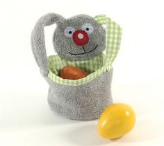 hasentasche osterkorb tutorial sewn easter bunny basket geknotet easter. Black Bedroom Furniture Sets. Home Design Ideas