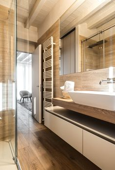 Bathroom Plans, Wood Bathroom, Bathroom Furniture, Master Bathroom, Bathroom Design Layout, Bathroom Interior Design, My Ideal Home, Dream Bathrooms, Home Renovation