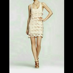 Ali Ro Sleeveless Scallop dress Pretty cream/light pink Sleeveless Scallop dress by Ali Ro, size 0 (can fit a 2). NWT, never worn - just tried on.   No trades or PayPal. Happy Poshing! Ali Ro Dresses