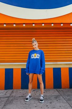 Take a look at Kith's latest collaboration with Power Rangers. The brand has proven it's a streetwear brand with both hype and heart. See the full look book featuring Hailey Baldwin. Estilo Hailey Baldwin, Hailey Baldwin Style, Hailey Baldwin Vogue, Hayley Baldwin, Grunge Outfits, Casual Outfits, Cute Outfits, Winter Outfits, Look Fashion