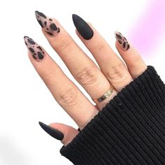 Hair And Nails, My Nails, Acrylic Nail Tips, Almond Acrylic Nails, Show Beauty, Fire Nails, Stylish Nails, Chic Nails, Trendy Nails