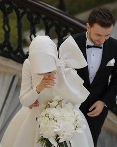 Ideas for wedding couple muslim bride groom Hijabi Wedding, Muslimah Wedding Dress, Muslim Wedding Dresses, Muslim Brides, Wedding Attire, Bridal Dresses, Wedding Gowns, Muslim Women, Hijab Mode