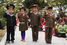 School children, Kaesong, North Korea | da Mike Gadd