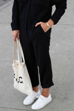 A.P.C. off-white canvas bag, white Common Projects sneakers & Céline knot bracelet. Stylish casual minimalist outfit | Minimalist casual wear | Capsule wardrobe | Slow fashion | Simple style | Minimalist style | Stylish business casual | Scandinavian casual wear.