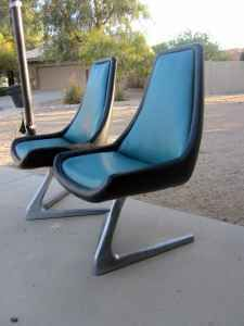 Vladimir Kagan Unicorn Swivel Chair. Look Like Theyu0027re Straight Off The Star  Trek
