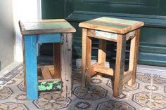 Krukjes van sloophout, mooi zwaar teakhout met de originele verf er nog op. www.woonstinsshop.nl