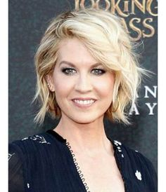 Jenna Elfman Hair for Round Faces