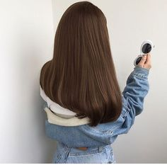 Long Wavy Ash-Brown Balayage - 20 Light Brown Hair Color Ideas for Your New Look - The Trending Hairstyle Light Brown Hair, Dark Hair, Light Chocolate Brown Hair, Chocolate Hair, Medium Hair Styles, Short Hair Styles, Hair Medium, Brown Hair Balayage, Honey Hair