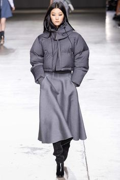 Topshop Unique Fall 2014 Ready-to-Wear Collection Photos - Vogue
