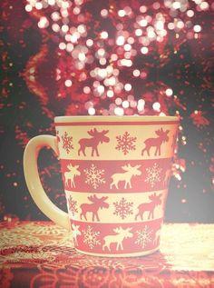 Great bokeh and a cozy mug