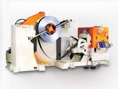 SNR6 3 in 1 Precision Uncoiler, Straightener & Feeder is single end reel configuration and the heavy duty back plate machine