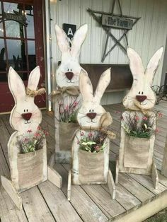 Celebrate Easter & Spring season with an outdoor decor. From Porch decoration to door decoration ot Yard decor, get best DIY Easter Outdoor Decor ideas here Spring Crafts, Holiday Crafts, Holiday Fun, Thanksgiving Crafts, Christmas Fun, Wooden Crafts, Diy And Crafts, Diy Crafts For Easter, Room Crafts