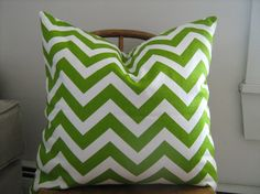 love the chevron- I adore green right now, love this.