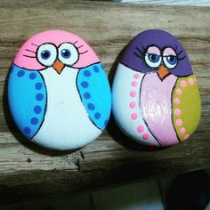 Easy Paint Rock For Try at Home (Stone Art & Rock Painting Rock Painting Patterns, Rock Painting Ideas Easy, Rock Painting Designs, Painting For Kids, Painted Rock Animals, Painted Rocks Craft, Hand Painted Rocks, Pebble Painting, Pebble Art