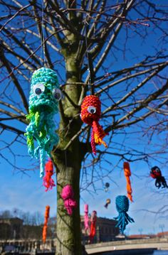 Yarnbombing by Knit The City