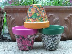 This is a great summer project, decoupage some seed packets onto painted clay pots.
