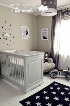 White Living: in den Wolken - Baby Zimmer Baby Bedroom, Baby Boy Rooms, Baby Room Decor, Baby Boy Nurseries, Nursery Room, Kids Bedroom, Small Nurseries, Room Baby, Baby Cribs