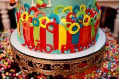 A festa de 1 ano do João Pedro foi recheada de palhaçinhos coloridos! Tantos doces, mimos e enfeites fofos, muita alegria e um papai e uma m...