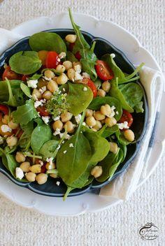 Salada de espinafres e grão | SAPO Lifestyle